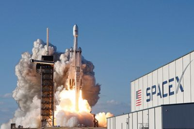 SpaceX lost the central unit Falcon Heavy